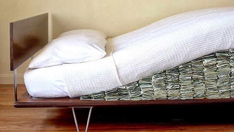 Где спрятать деньги в квартире