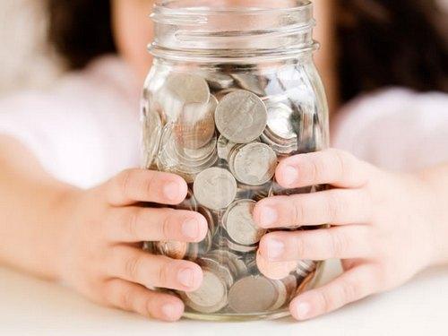 Деньги в стеклянной банке - не лучший вариант