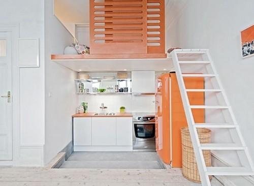 Дизайн маленькой кухни в двухуровневой квартире фото