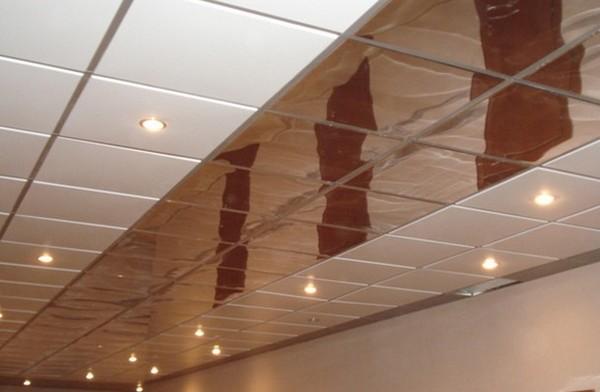 поклейка потолочной плитки