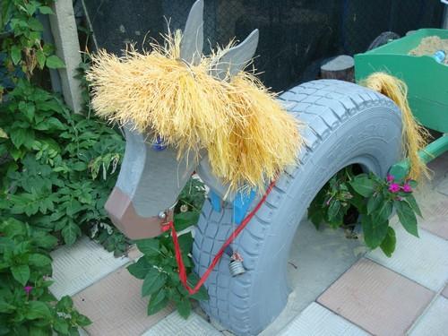 Поделка для сада - лошадь из покрышки