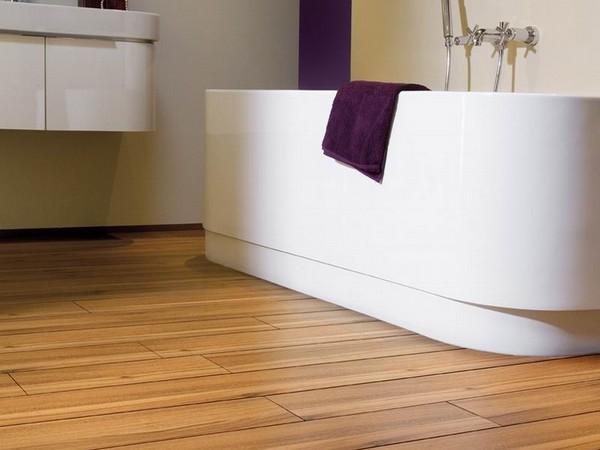 Качественный водостойкий ламинат для ванной фото