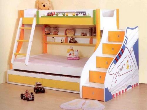 Кровать двухъярусная с защитным бортиком наверху