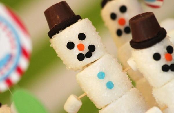 Съедобные снеговики на новогодний стол