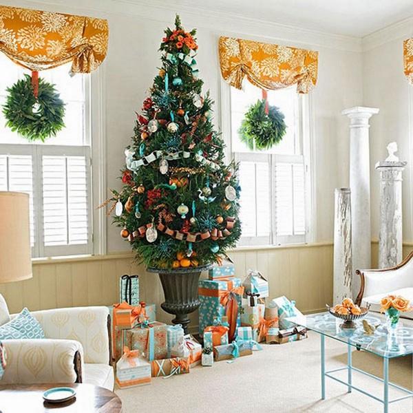 Как красиво разложить подарки под елкой