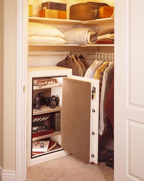 Большой мебельный сейф для дома