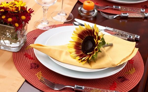 Сервировка и украшение стола к завтраку
