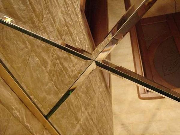 Зеркальные панели из полистирола