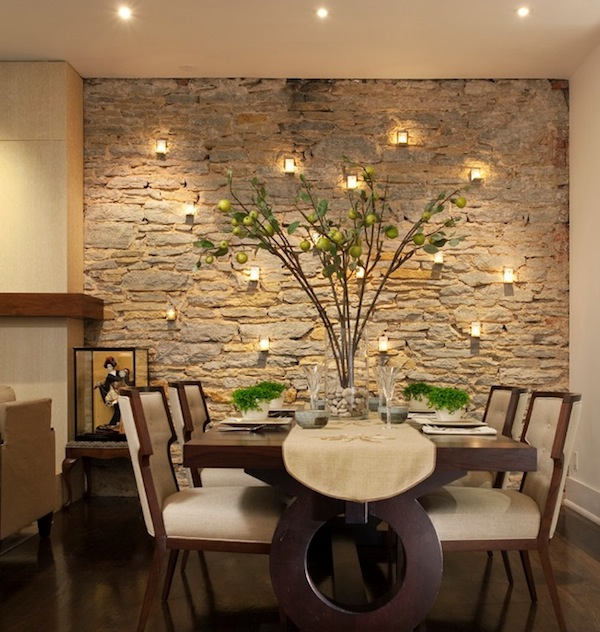 Акцентная каменная стена фото