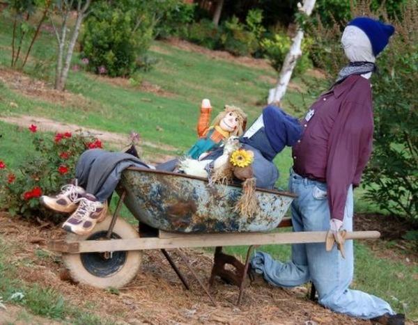 Чучело огородное с тележкой картинки