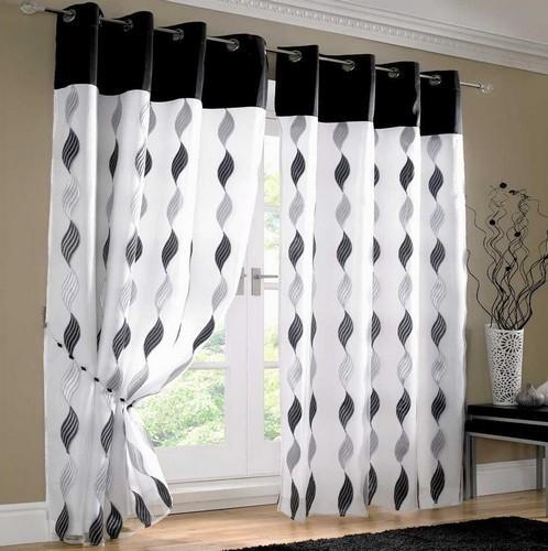 Черно-белые шторы с люверсами