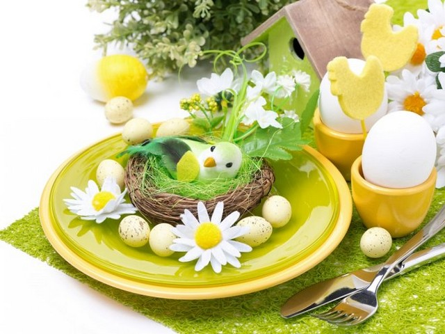 Яркое и красивое оформление пасхального стола картинки