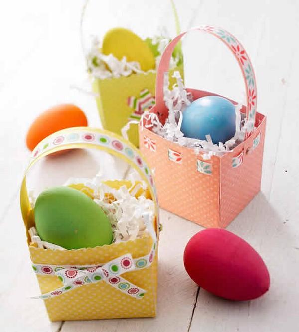 Маленькие корзинки для пасхальных яиц из бумаги