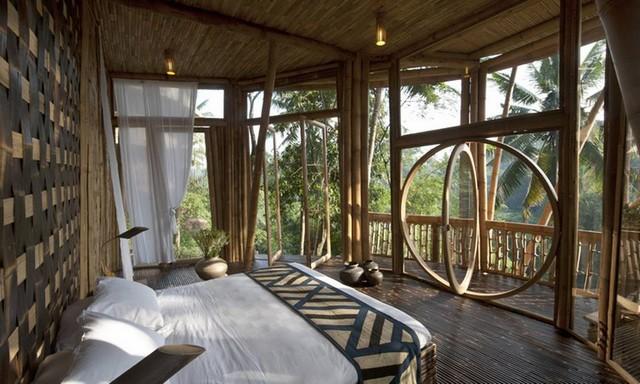 Спальня в бамбуковом доме