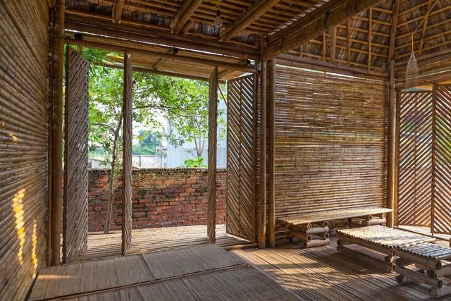 Бамбуковый домик внутри