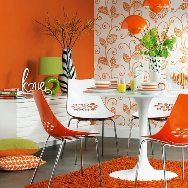 Оранжевая кухня с мебелью в стиле бистро