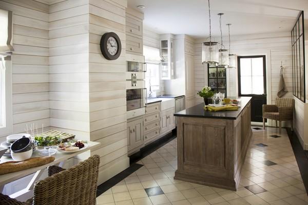 Светлая кухня в стиле кафе бистро