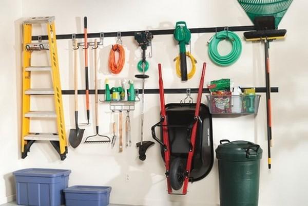 Как хранить инвентарь в гараже
