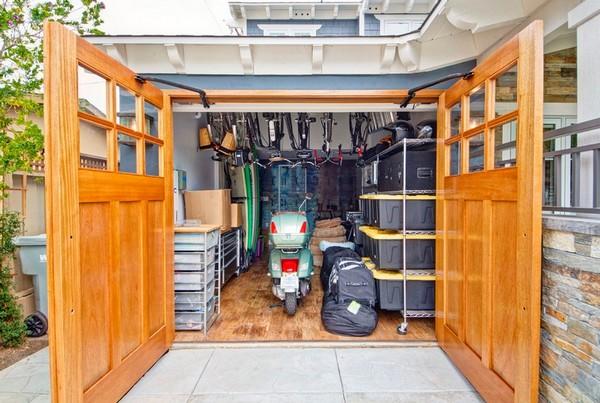 Обустройство гаража для мотоцикла и велосипедов