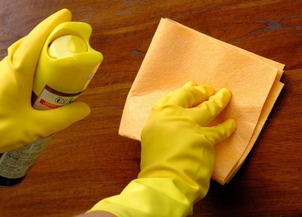 средство по уходу за полированной мебелью