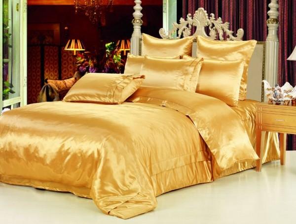 Шелковое постельное белье золотое фото