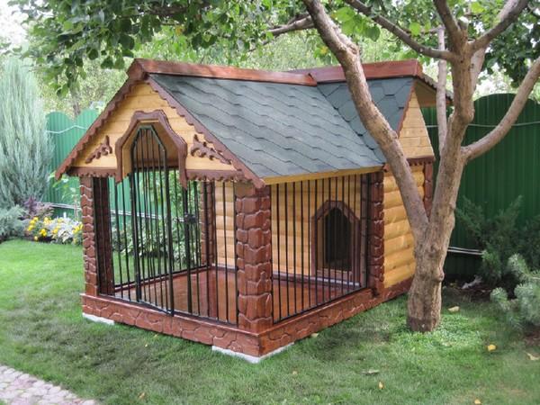 Красивая будка для собаки своими руками с вольером