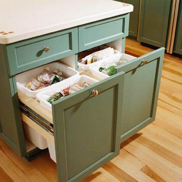 Контейнеры для мусора в кухонном островке