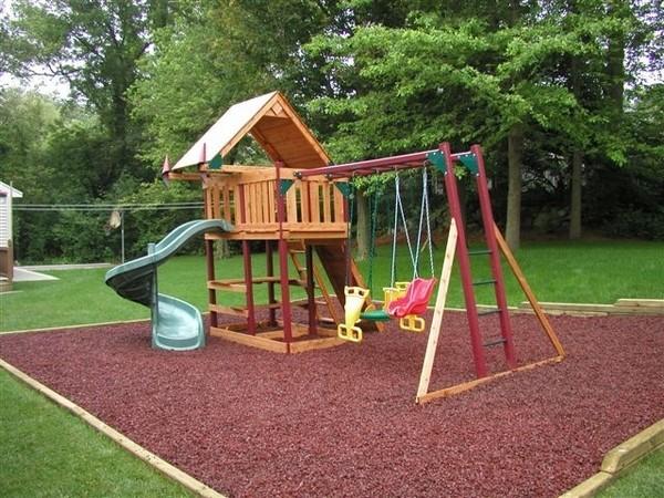 Как использовать декоративную щепу для детской площадки на даче
