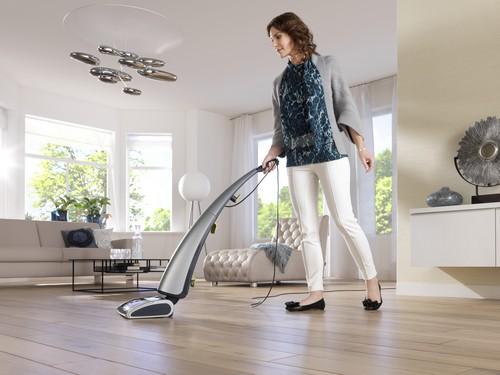 Вертикальный пылесос для влажной уборки дома