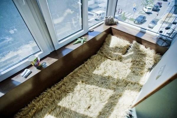 Балкон с кроватью фото