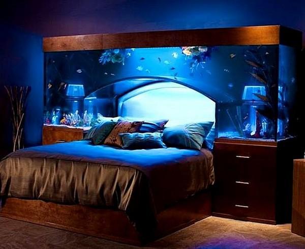 Настенный аквариум в спальне фото
