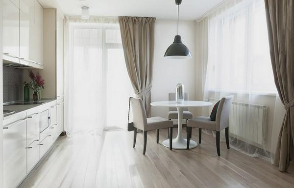 Красивые шторы для кухни с балконной дверью