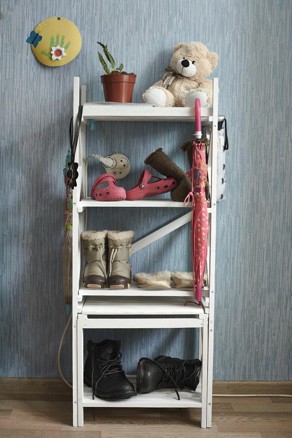 Маленькая этажерка для обуви