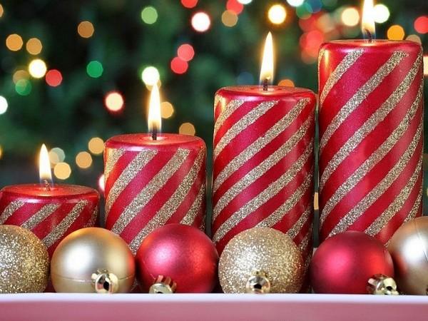 Украшения дома свечами на Новый год 2016