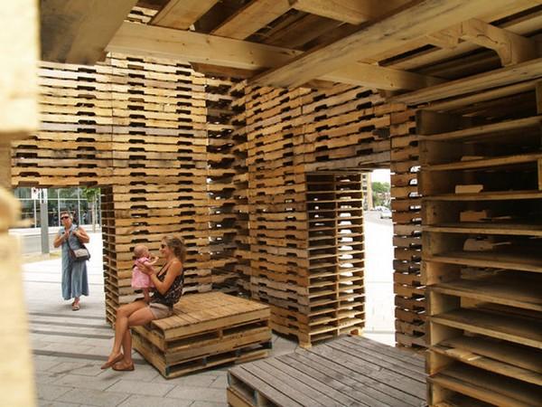 Дом, построенный из паллет