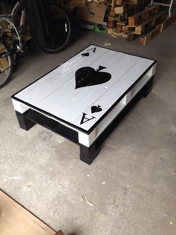 Столик для игр в карты из поддонов