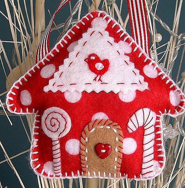 Оригинальный пряничный домик из фетра