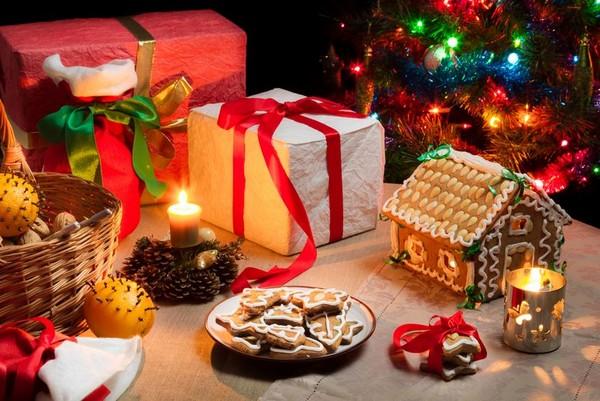 Пряничный домик в качестве новогоднего декора