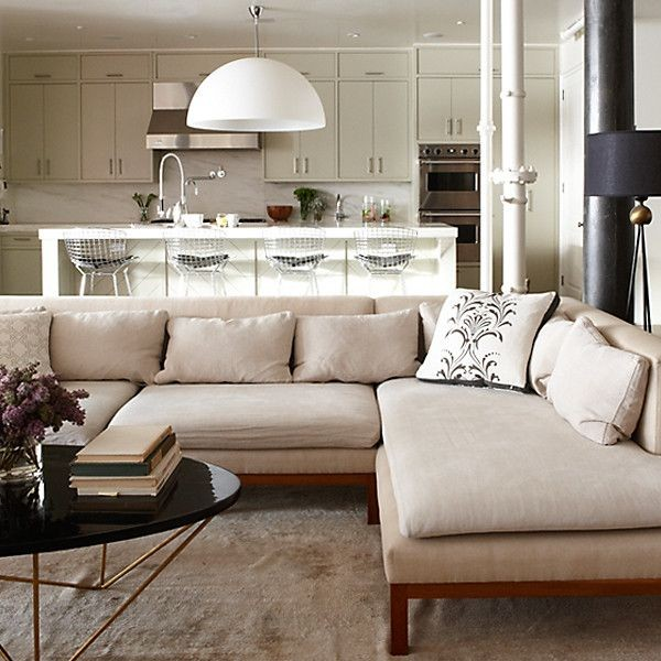 Большой диван модульный для гостиной с кухней