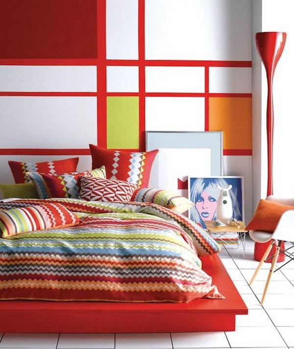 Интерьер спальни в стиле авангард с подиумом