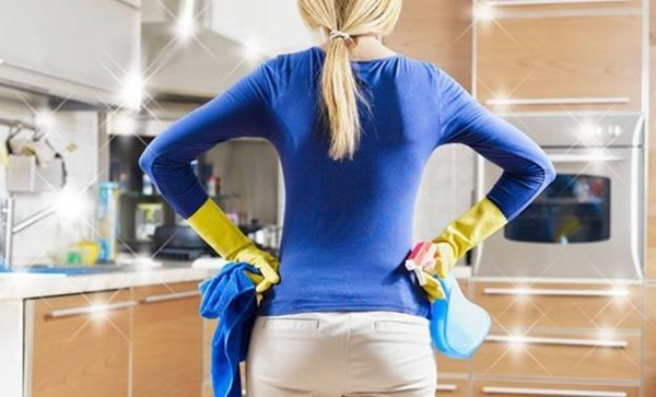 средства для чистки кухонной мебели