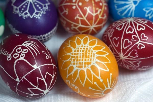 пасхальные яйца из дерева фото