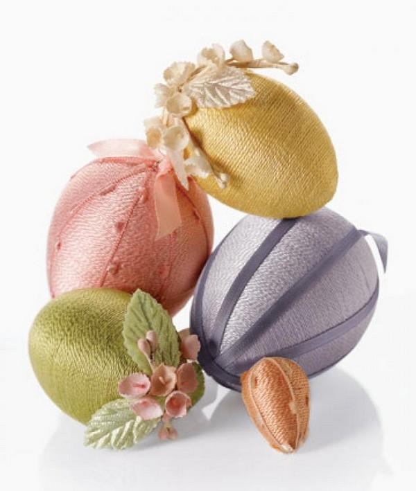 Как украсить деревянное яйцо нитями