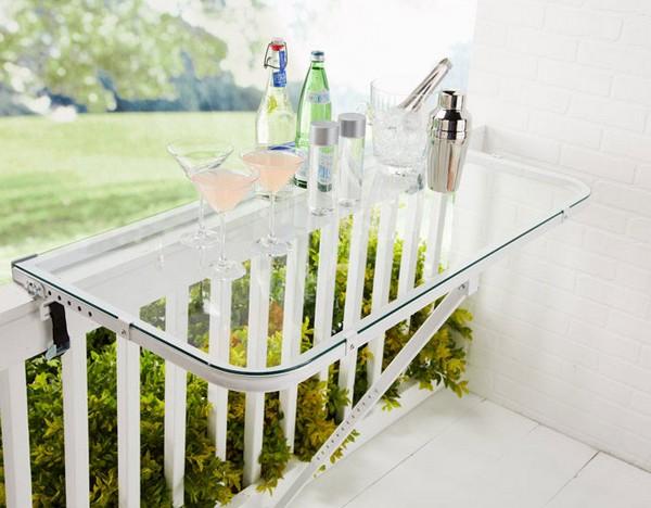 Стеклянный столик навесной на балкон