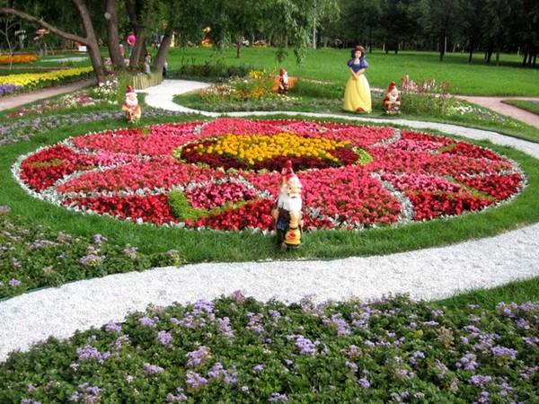формы цветников и клумб фото