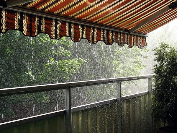Летний козырек над открытым балконом