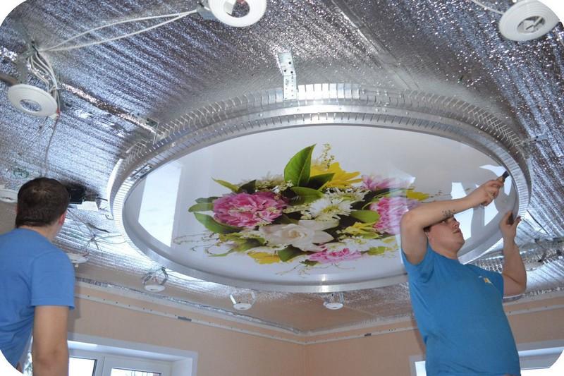 витражные натяжные потолки фото