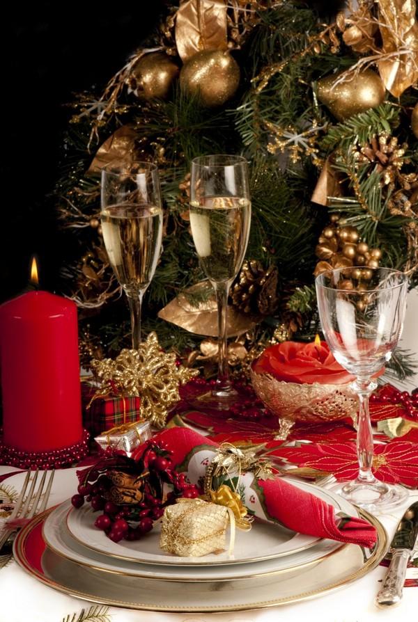 Сервировка новогоднего стола на год Петуха 2017 фото