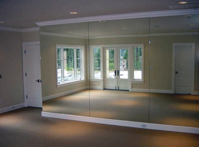 зеркальная стена фото
