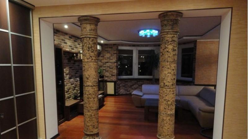 колонны из декоративного камня фото